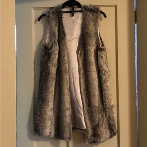 Lord and Taylor faux fur vest medium
